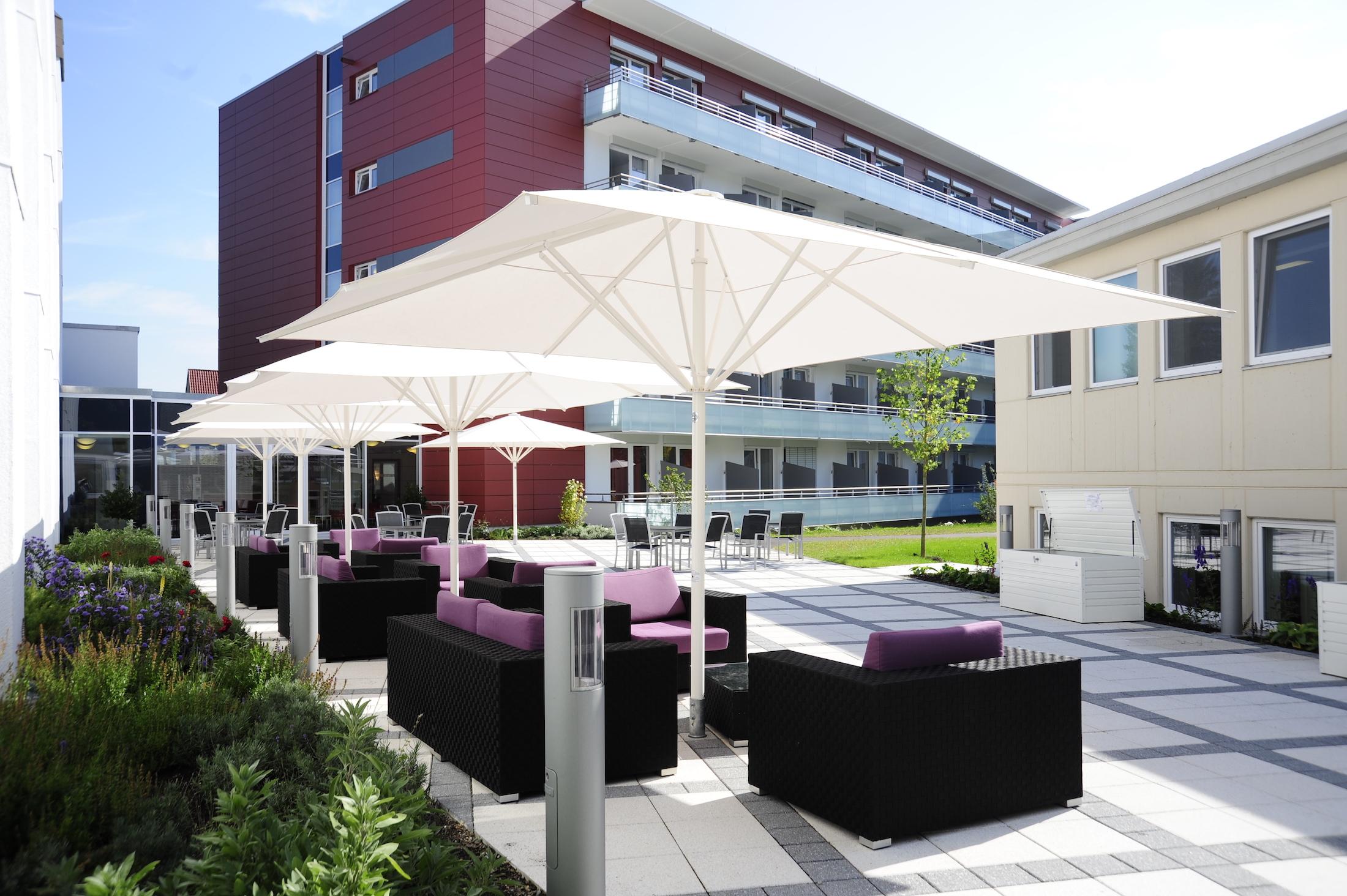Terrasse der Rehakliniken Bad Waldsee