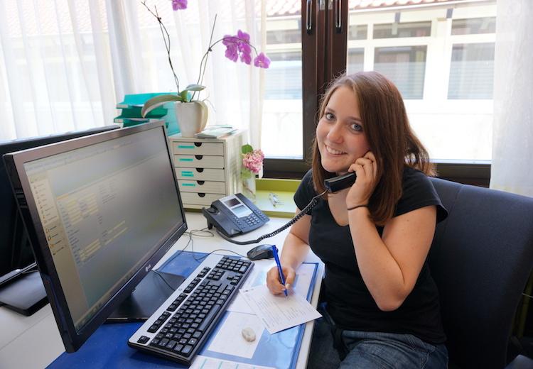 Kontakt und Beratung am Telefon - kontaktieren Sie uns
